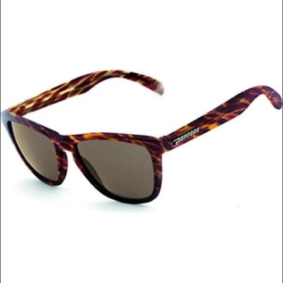 d8a30b2c33 Accessories - Peppers Breakers sunglasses